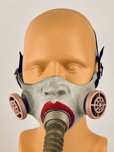 Annie(thesia) - gas mask, closeup