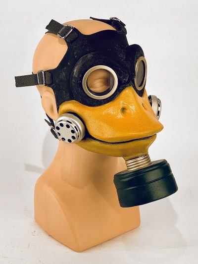 Duck - gas mask, 3/4 view